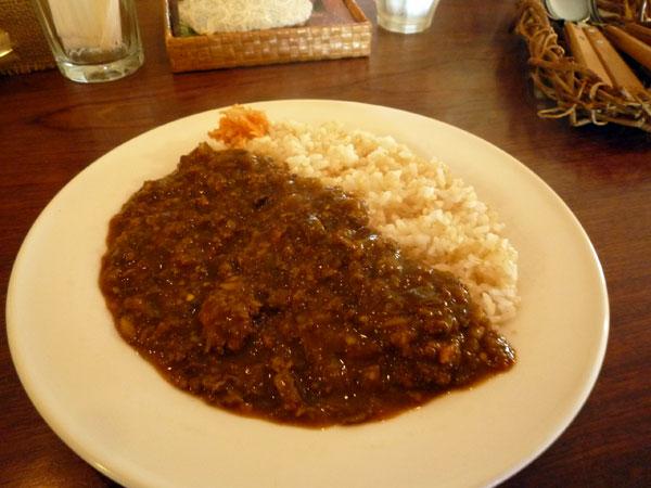 ラスティックバーン ナスとひき肉のスリランカカレー