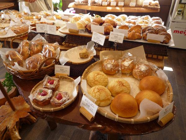アストレア 菓子パン